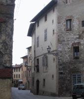 Foto B: una vista dell'edificio rilevato